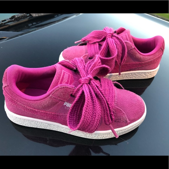 huge selection of f8103 9561b Fuchsia PUMA Suede Heart Little Girls 13.5M